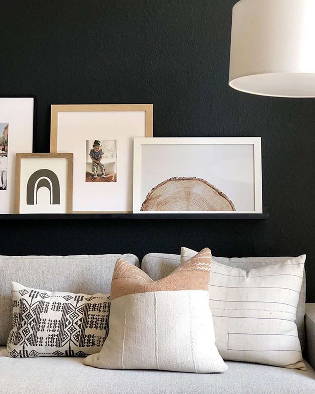 Picture frame gallery ledge