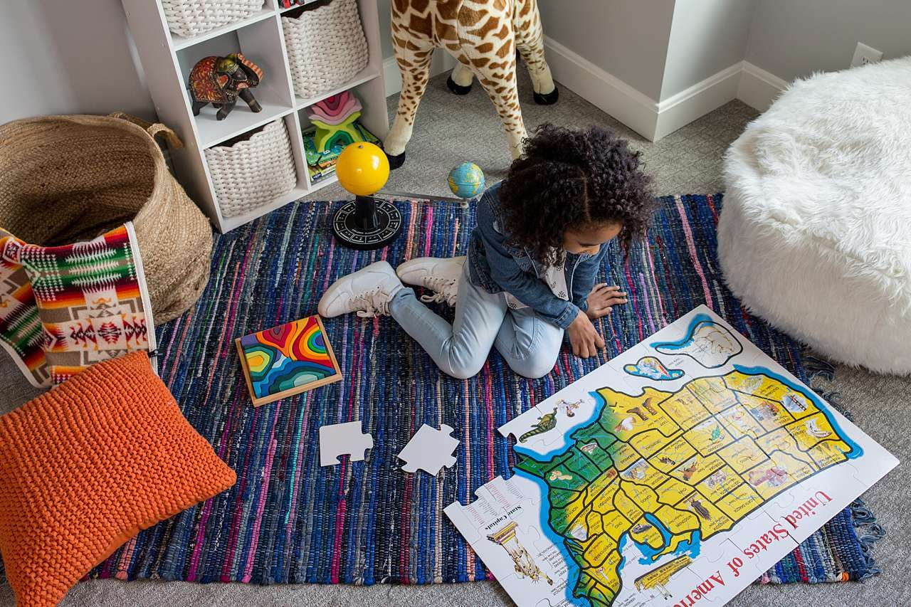 Giant puzzle of United States map in child's room