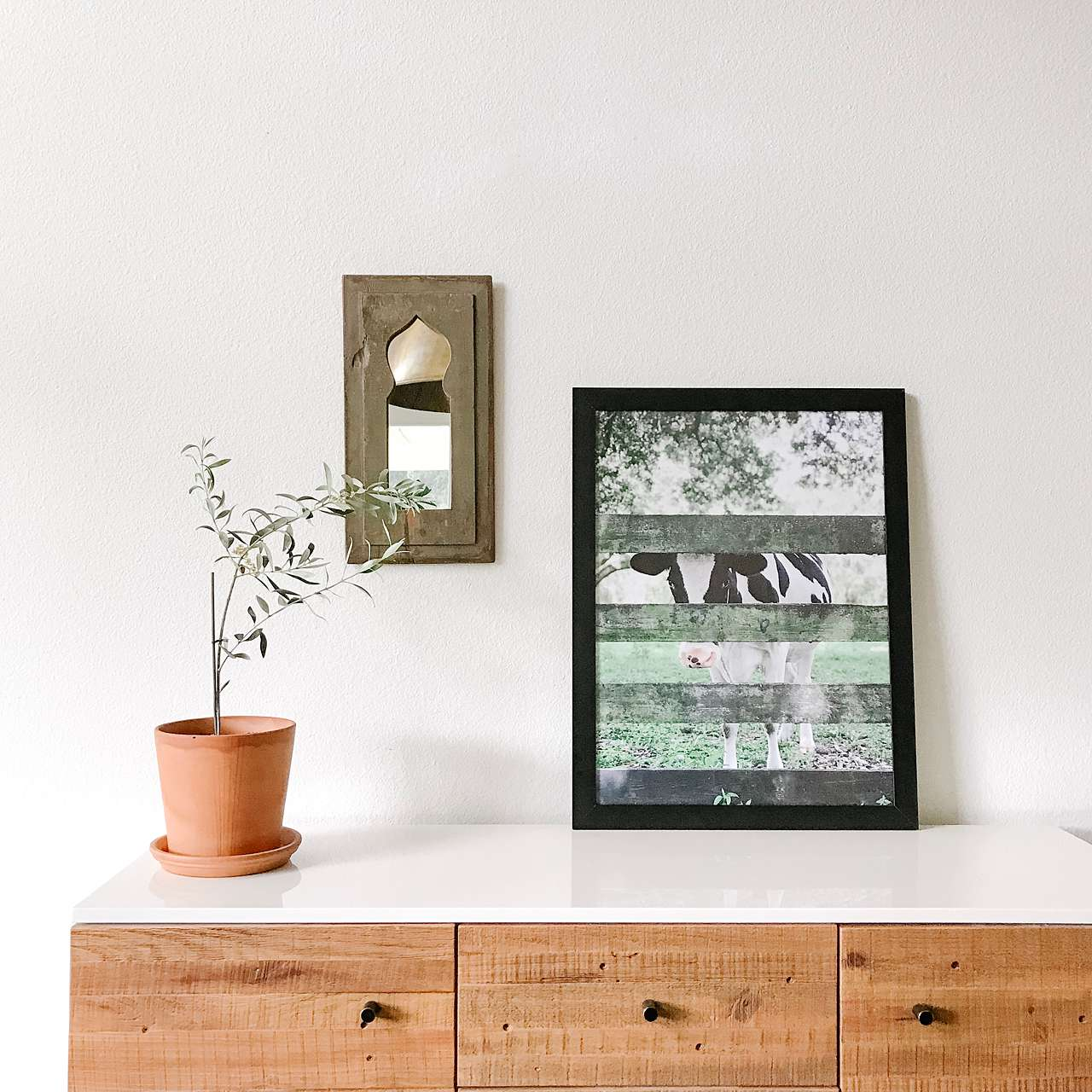 rustic and minimal design with black picture frame