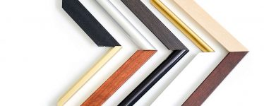 Wood vs metal picture frame profiles