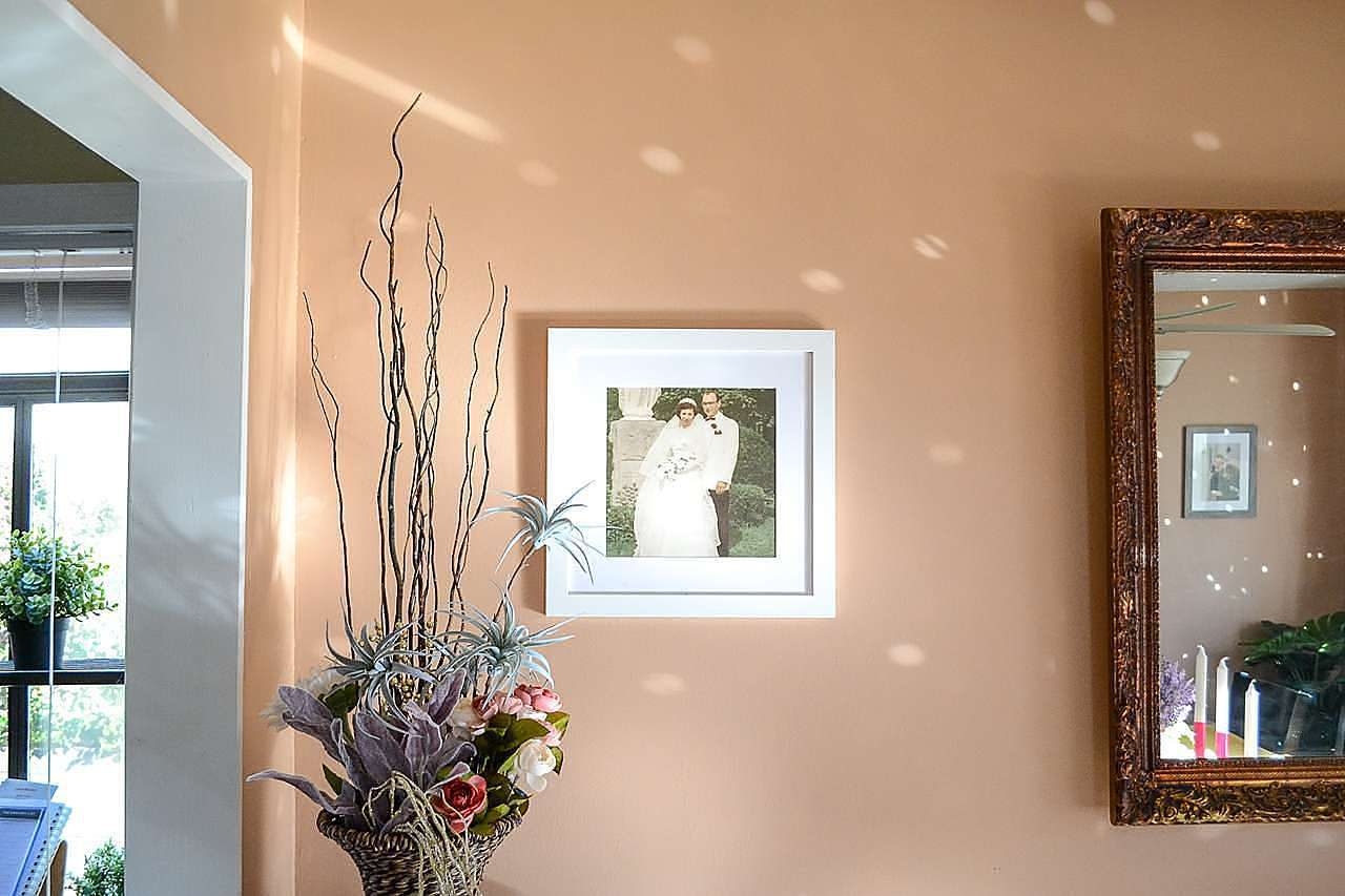 best white picture frame