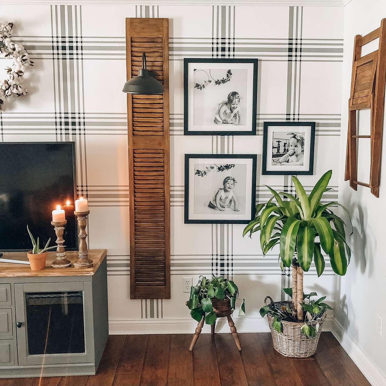 Triple picture frames