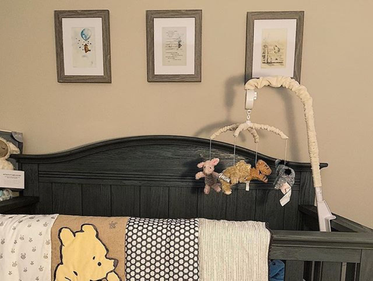 Crib in kids bedroom
