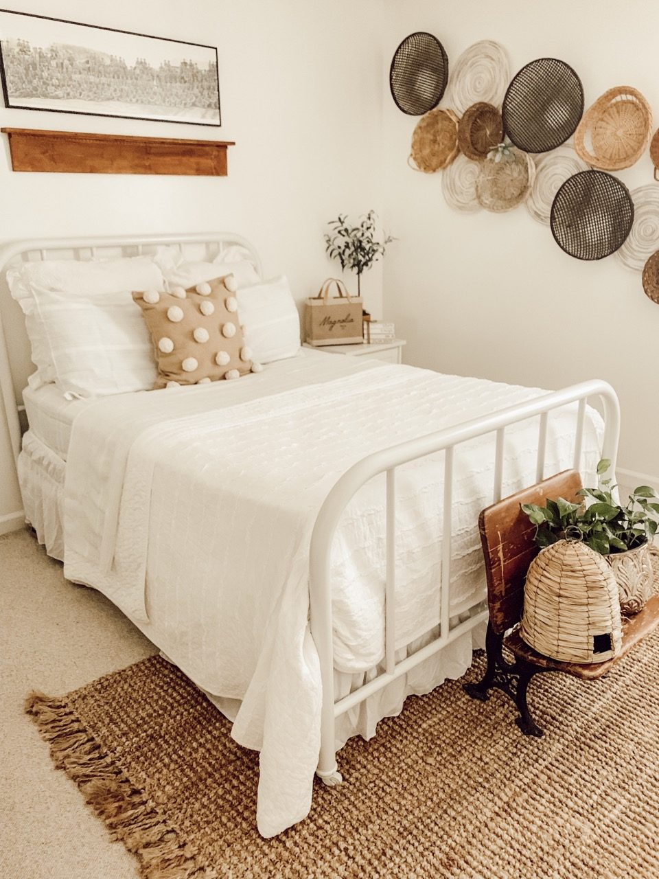 simple guest room bedding