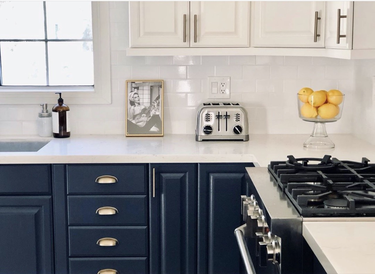navy and white color scheme for kitchen