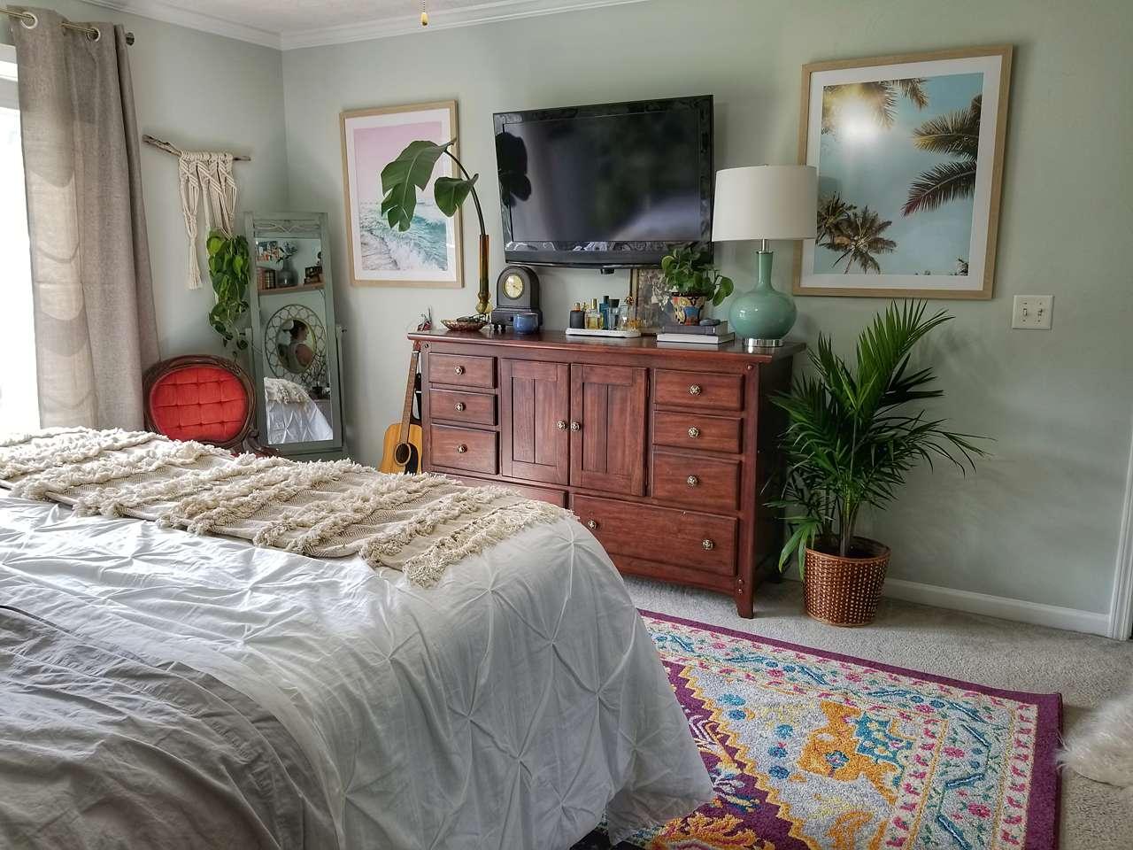 Eye level bedroom decor