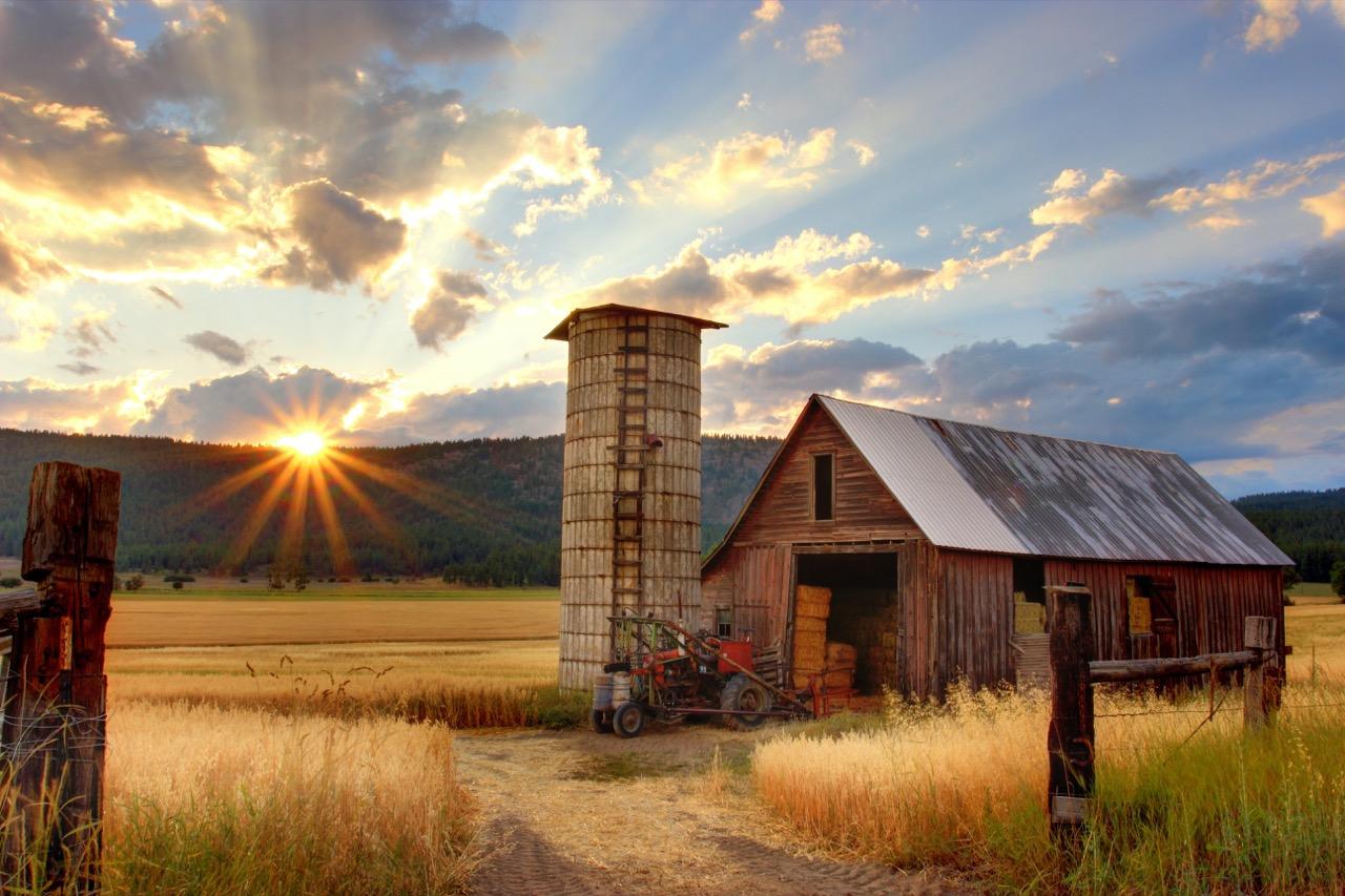 Photo of a farm.