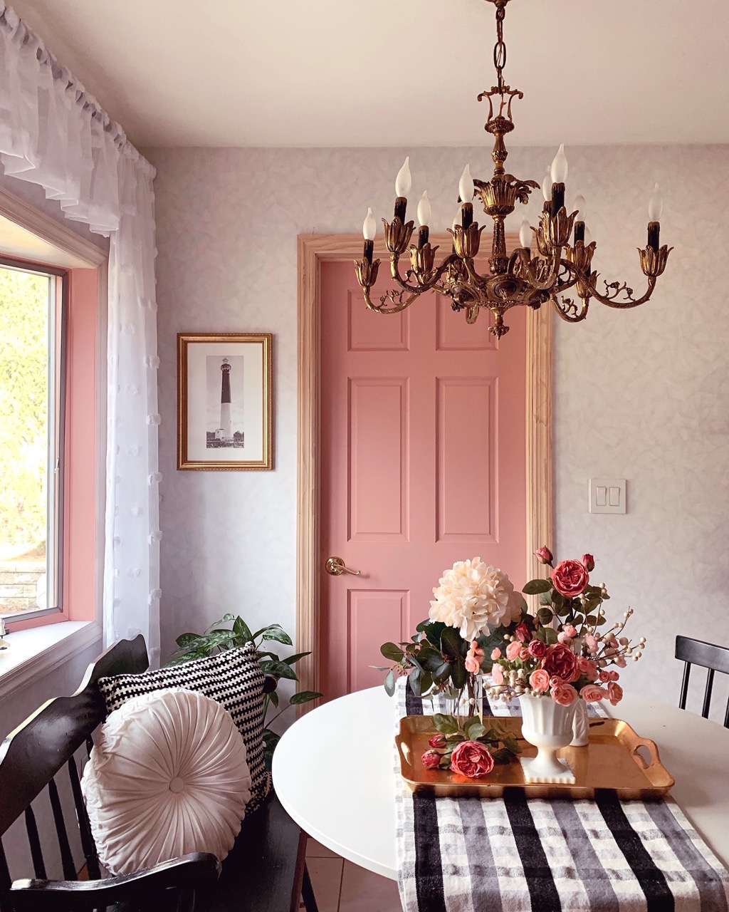Granby frame style in dining room