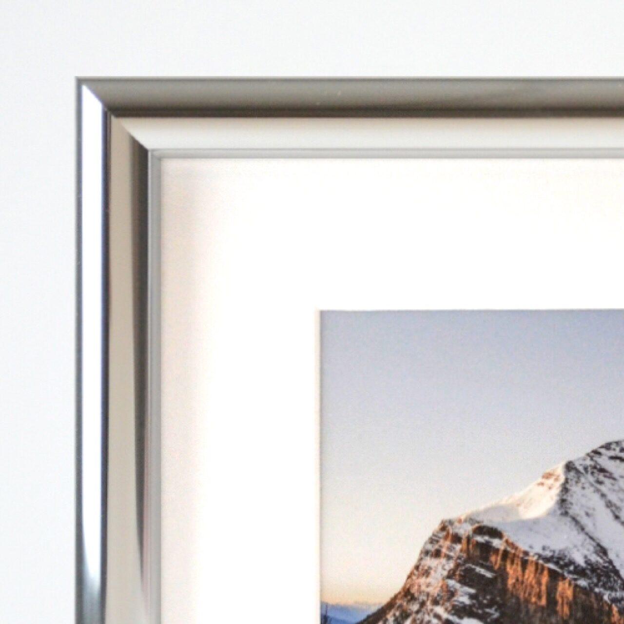 Hammond frame in gloss silver